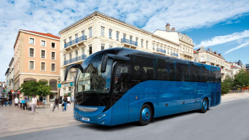 2-avtobusnye-tury-iz-spb-chem-oni-privlekayut-turistov